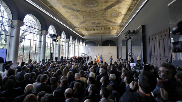 Aspecto del Salón de los Espejos de San Telmo donde se celebró la toma de posesión del nuevo Gobierno