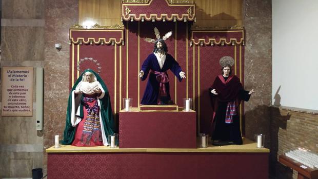 El altar se encuentra ahora en la nave derecha