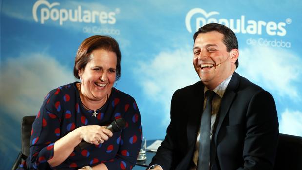 Blanca Torrent y José María Bellido, en el acto de presentación del PP