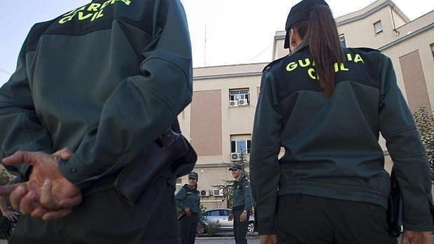 Imagen de algunos agentes de la Guardia Civil