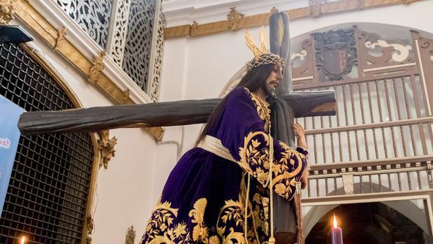 El Nazareno, con su nueva cruz arbórea