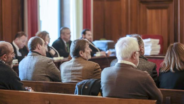Ex altos cargos sentados en el banquillo en el reciente juicio de Umax