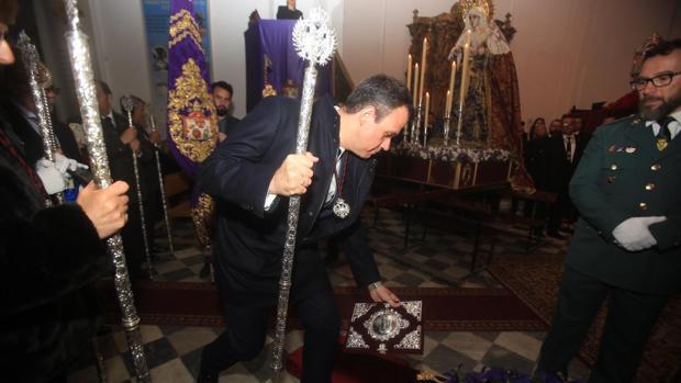 Vicente Rodríguez dejó el pregón a los pies del Santísimo Cristo de Expiración