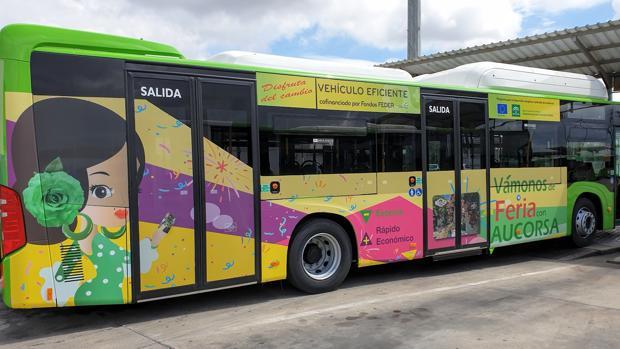 Uno de los nuevos autobuses de Aucorsa