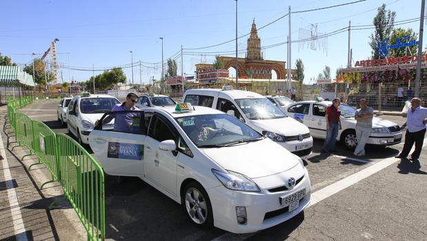 Parada de taxis en la Feria de Córdoba
