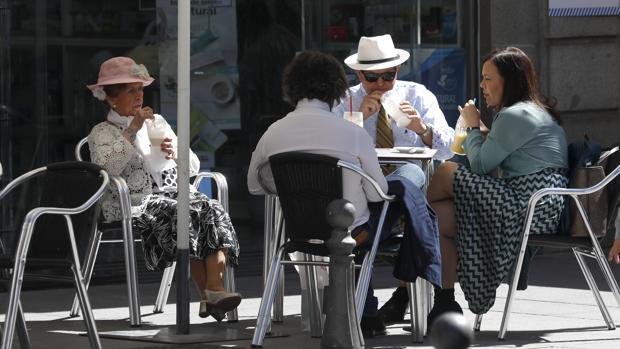 Un grupo de turistas, en marzo de este año en Córdoba
