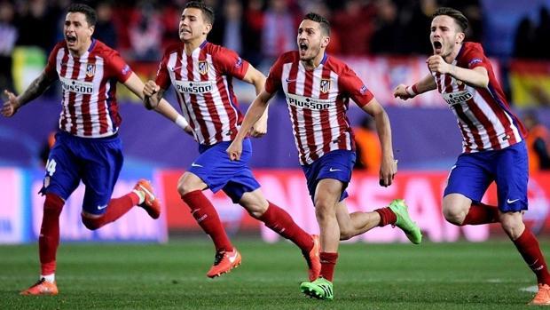 Los jugadores del Atlético celebran la victoria por penaltis ante el PSV
