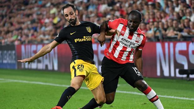 Juanfran, en el duelo ante el PSV