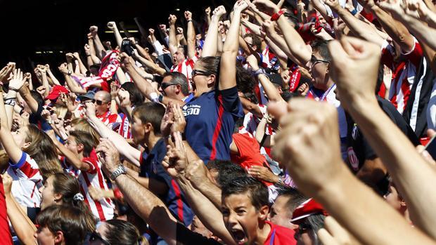 Ambiente en el Calderón durante el Valencia-Atlético