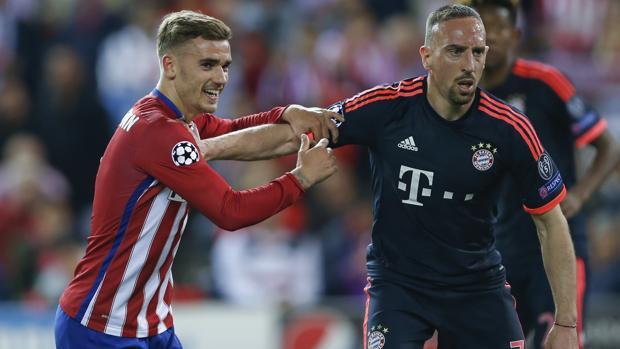 Griezmann y Ribéry, durante el último Atlético-Bayern de Champions