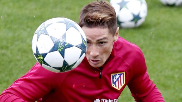 Torres durante el entrenamiento de ayer antes de viajar a Rostov