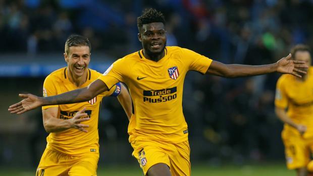 Thomas celebra su gol con el Atlético ante el Deportivo