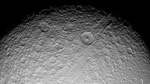 Las lunas de Saturno, más recientes que los dinosaurios