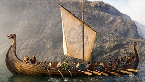 Un drakkar vikingo en la película «Outlander»