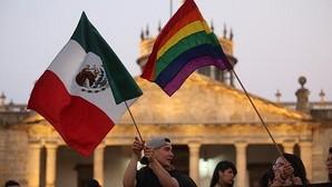 Peña Nieto propone reconocer el matrimonio homosexual en todo México