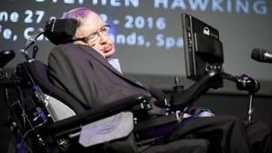 Stephen Hawking no cree que la humanidad pueda sobrevivir más de mil años en la Tierra