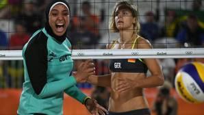 Dos realidades: el duelo del vóley playa entre Alemania y Egipto