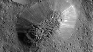 El planeta enano Ceres tiene agua estable en superficie