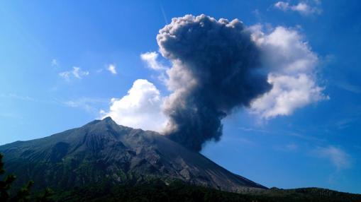 Pequeña erupción en el Sakurajima