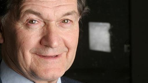 Una fotografía de Roger Penrose, tomada en 2005