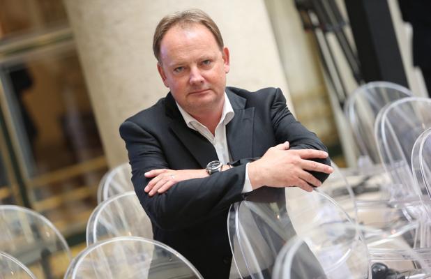 Michael Benedikt, del CERN: «Necesitamos un colisionador mayor para entender la materia oscura»