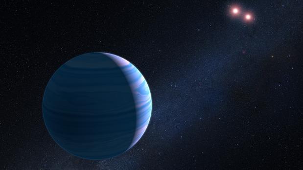 Ilustración artística de un planeta gigante rodeando un par de estrellas enanas rojas.