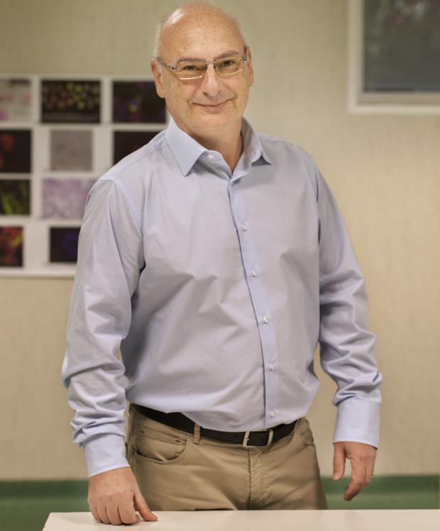 Martínez Mojica, el cerebro alicantino del «corta-pega » genético