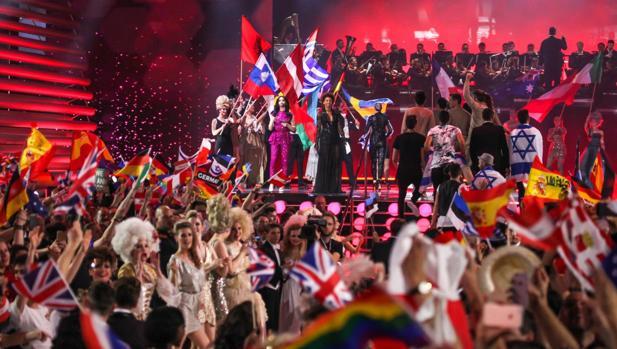 Eurofans en la final de Eurovisión 2015, celebrada en Viena tras la victoria de Conchita Wurst
