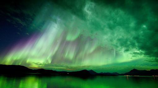 Una fuerte aurora boreal es registrada en Noruega, después de una eyección de masa coronal
