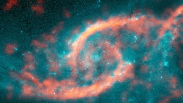 Un tsunami de gas y estrellas en la galaxia IC2163