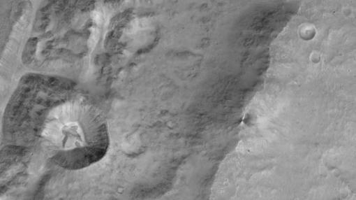 Proximidades del cráter Da Vinci, de 100 kilómetros de diámetro