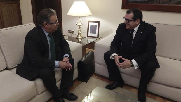 Reunión del ministro del Interior ayer con el consejero catalán