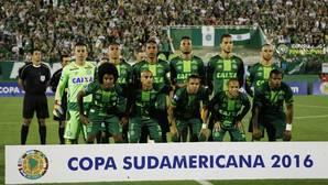 Al menos 75 muertos al estrellarse en Colombia un avión con el equipo de fútbol brasileño Chapecoense