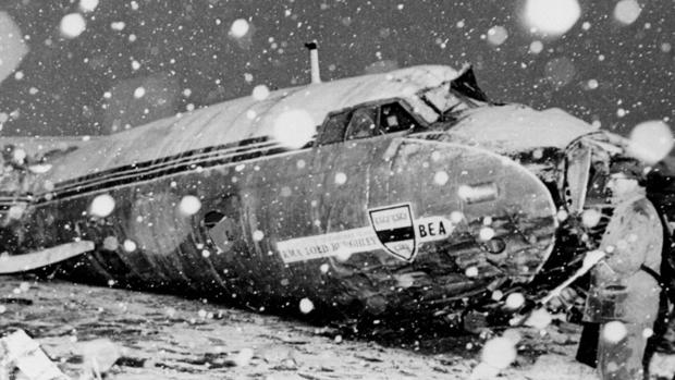 Foto del avión en el que viajaba el Manchester United, en 1958