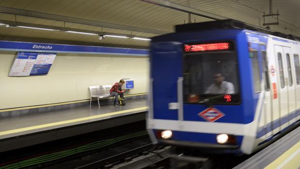 Una avería obliga a suspender la circulación en la Línea 1 de Metro entre Plaza de Castilla y Cuatro Caminos