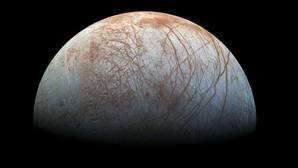 La fascinante superficie de Europa, luna de Júpiter