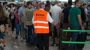Fomento cree que la Generalitat debe mediar en el conflicto de El Prat