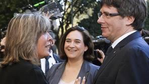 La alcaldesa de L'Hospitalet, a Puigdemont: «A ver si dejáis tranquilos a los alcaldes»
