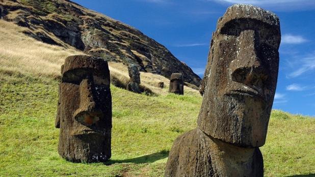 Moais, las estatuas gigantes de la isla de Pascua