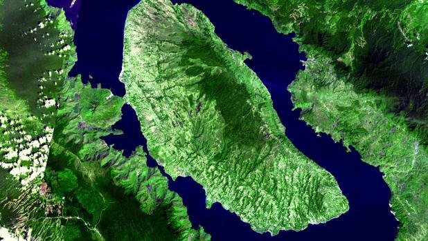 Imagen aérea de la caldera de Toba, en Indonesia, creada por la erupción de un supervolcán hace 75.000 años
