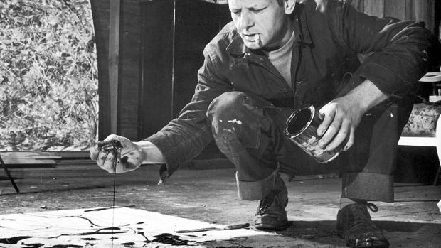 Jackson Pollock, trabajando en su estudio