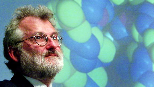 La investigación de John Sulston se centró en el mecanismo que permite a los genes controlar la división y la muerte celular