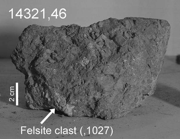 Esta roca, traída por los astronautas en 1971, podría contener un pequeño fragmento de la Tierra primitiva