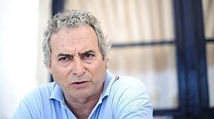 Suspenden la declaración de Ildefonso Falcones por fraude a Hacienda