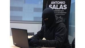 Antonio Salas: «En la red, cuando algo es gratis, el producto eres tú»