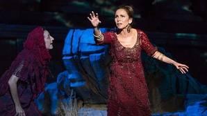 «Medea», con Ana Belén, en el Teatro Español: una mujer detrás del mito