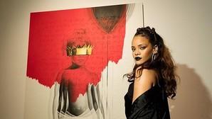 Rihanna lanza por sorpresa su nuevo disco