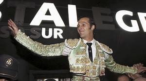 David Mora cuaja dos grandes faenas y triunfa en su reaparición en Vistalegre