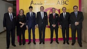 Méndez de Vigo preside la entrega del VIII Premio Taurino de ABC