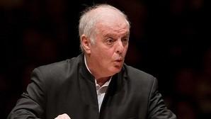 Daniel Barenboim, dirigiendo a la Staatskapelle de Berlin en el Carnegie Hall